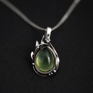 - green water droplets - sterling silver grape necklace