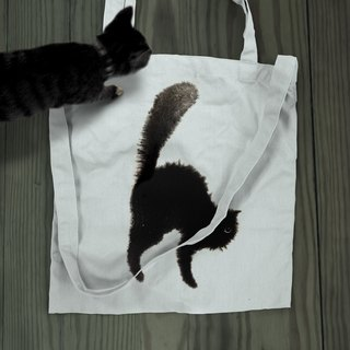 [26 black cat letters] canvas bag