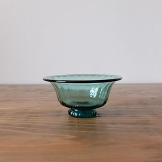 Small bowl with green glass bowl green