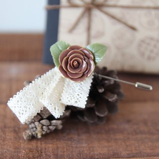 Prince's Phnom Penh cocoa rose gift box pin brooch hat with a small card lover friend sister ceremony
