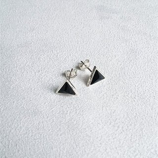 Earrings・Triangular Black Swarovski Crystal Sterling Silver