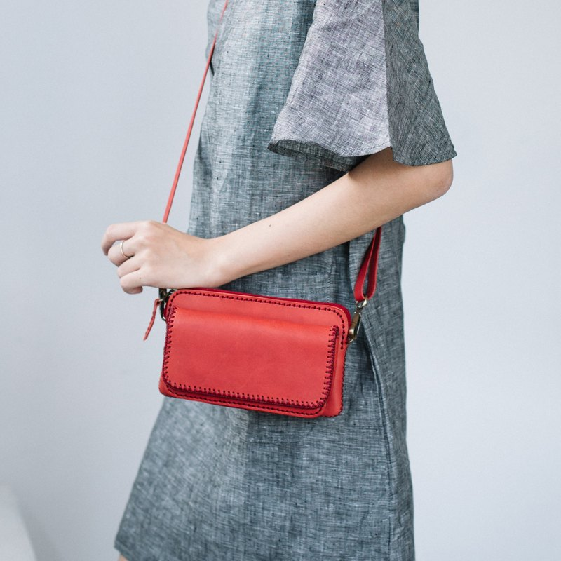 BAGUETTE- MINIMAL CROSSBODY HANDMADE JAPANESE COW LEATHER BAG-