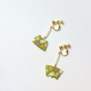 Matcha Biscuit Clip/Pin Earrings