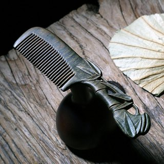 Natural hand-carved green sandalwood comb