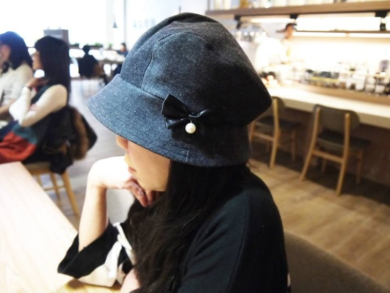 2019 exchange gift preferred Daning lady hat with the same paragraph cloth butterfly jewelry pin