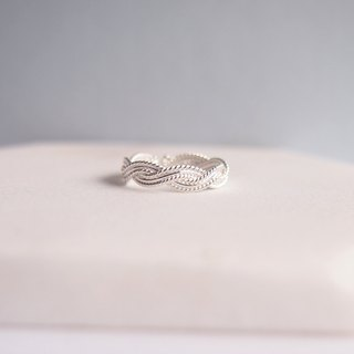 Daphne | Laurel sterling silver ring