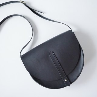 Half Moon Saddle Bag in Black Leather - half round bag