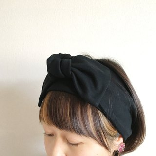 ribbon hair band  Tshirt Black