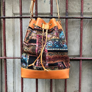 Old school retro stitching bucket bag Size medium