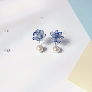 * Haku‧Neko * Mini Flower ball Purple Blue Hydrangea flowers cotton beads 925 sterling silver earrings  (three-dimensional real flower series ) [limited product]