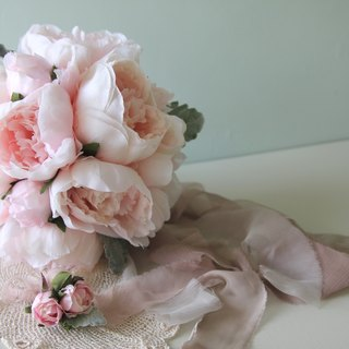 Bridal bouquets European bouquets bouquets bouquets made into bouquets wedding small objects hand holding flower bridesmaid bouquets self-help wedding dress bouquet wedding dress wedding wedding wedding bouquet pregnant women photo shoot props