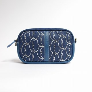 Migratory bird embroidery / shoulder pouch