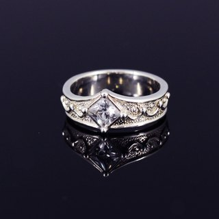Sterling silver ring - square diamond crown {Square diamond crown / 925 Sterling Silver}