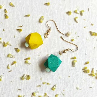 Yellow-green personality hit the earrings can change ear clip