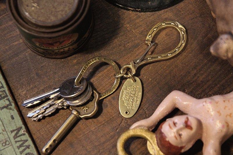 【METALIZE】馬蹄大鉤鑰匙圈