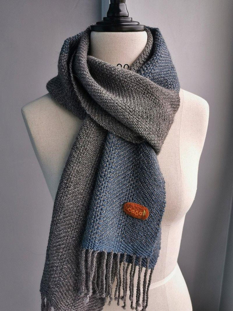 Handwoven by Carina | 手織羊駝絨蠶絲圍巾