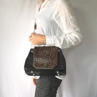 2waychain shoulder/ handbag with Haired cowhide Blue inside!!!