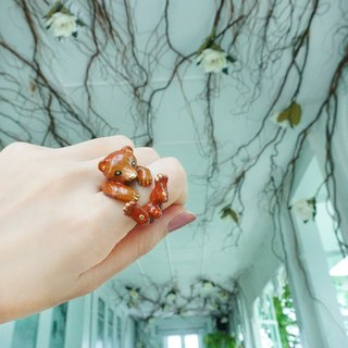 Grizzly Honey bear ring