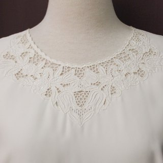 Vintage Japanese elegant flower embroidery hollow round neck white long sleeve vintage shirt