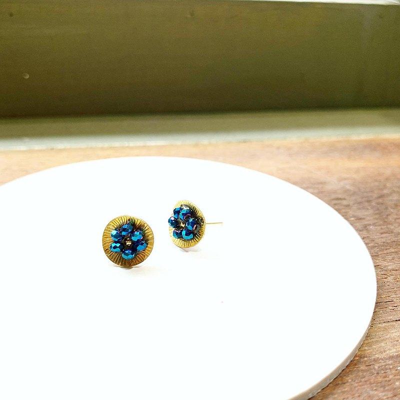 夏日限量款_小花朵藍色水晶貼式銅耳環_可免費修改夾式耳環