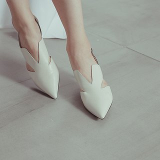 V mouth side digging minimalist low heel sandals white
