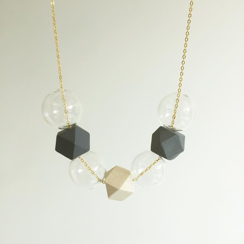 Glass Ball Necklace Grey black