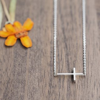 Side cross necklace silver 925