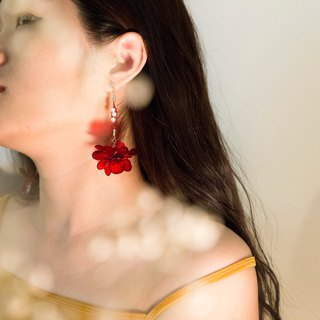 M.dot Flow Flower Series - a pair of luxurious red hand made resin earrings