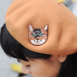 Animal embroidery pin / brooch - tabby cat