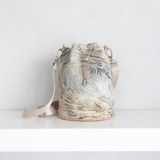 """Wildlife"" Bucket bag"