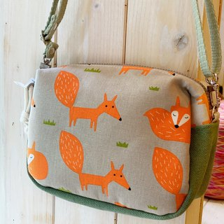 [Good day hand made] Handmade. Walking fox / universal bag / / cross-body bag / shoulder bag