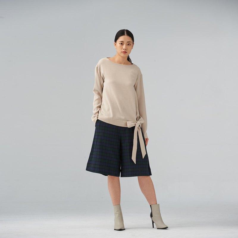 米色綁帶造型上衣