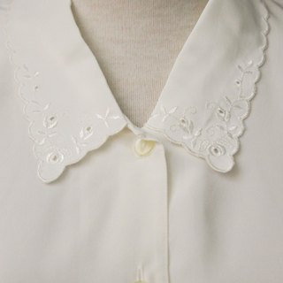 Vintage Japanese Elegant Cute Small Flower Embroidered Lapel Loose White Long Sleeve Vintage Shirt