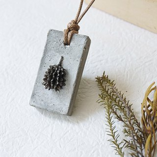 Cement with natural plant fruit necklace - UPCYCLING, Eco