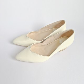 Classic Girl Series No.1  BECKY / Morning Glory - Beige leather - low-heeled pu