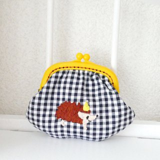 Embroidery wandering rings Gingham check Hedgehog yellow hat