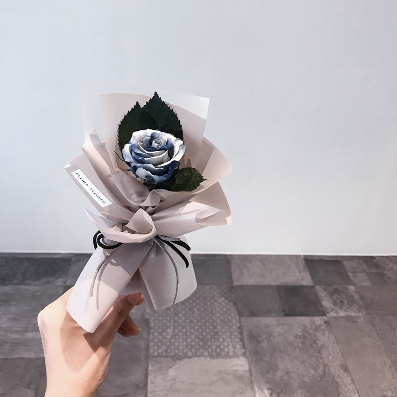 Limited (gradation blue) an eternal rose bouquet / eternal flower / wedding bouquet / lover bouquet