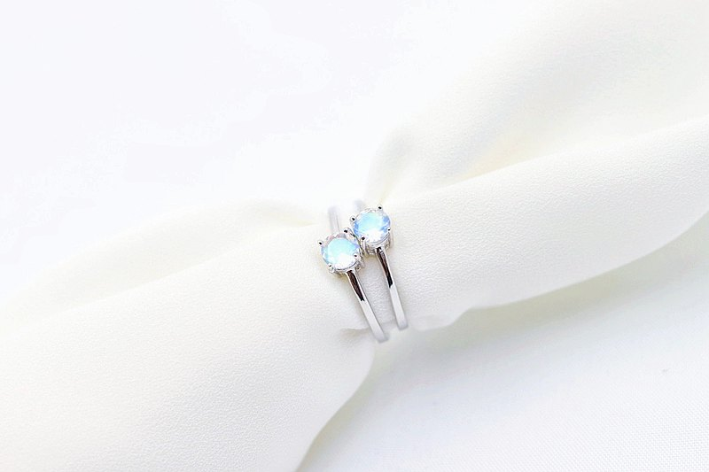 Blue Moonstone 925 Sterling Silver Ring