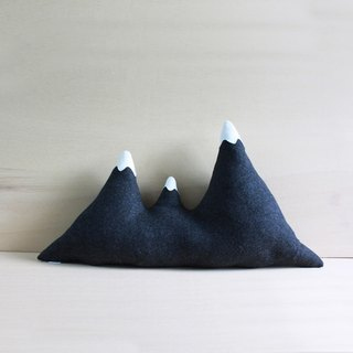 Mountain pillow / Handmade cushion - Triple Peak