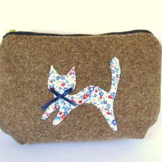 Heavy Wool Cat Pouch * Natural Brown