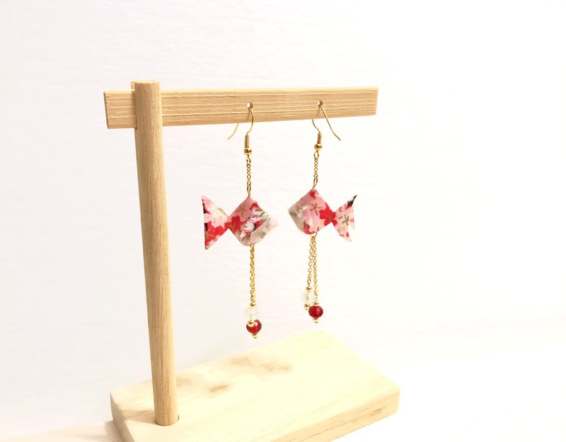 [Limited color system] Japanese thousand and goldfish earrings