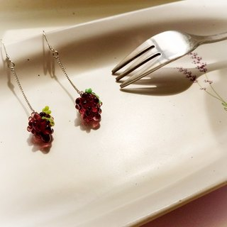 Grape glass fruit earrings (free clip type)