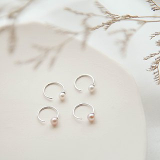 Small circle sterling silver pearl earrings