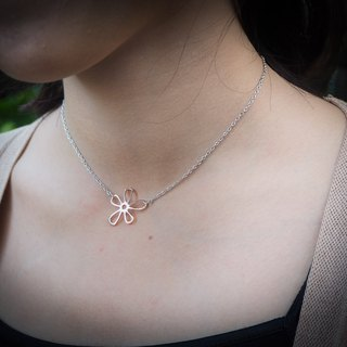 Plain two tone pink&white gold silver flower necklace