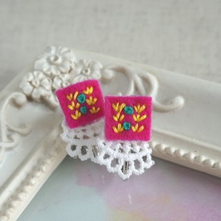 "Hand embroidery earring""Vivid square1"""