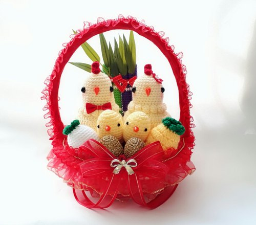 Red warm wedding with chicken chicken round combination