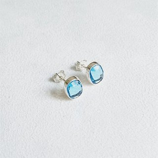Earrings・Oval Swarovski Crystal Light blue Sterling Silver