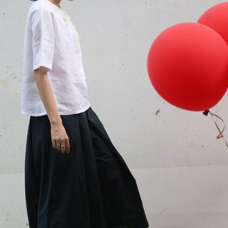 [Rolling cloth for clothing red balloon] high water washing cotton dark blue pleated wide leg pants skirt pants