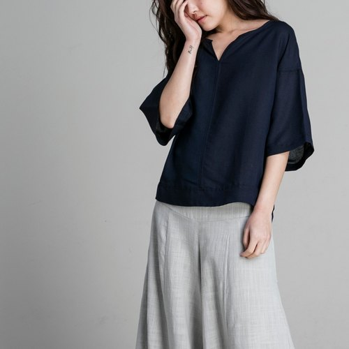 V-necked sleeves sleeves - navy blue