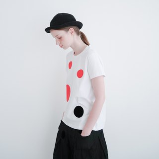 Red and black dot white cotton T-shirt T-shirt - imakokoni